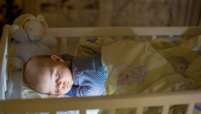 10 Consejos Para Dormir A Un Bebé Y No Morir En El Intento